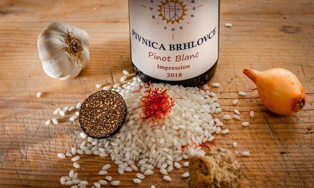 Krémové šafranové rizoto s hľuzovkou a Pinot blanc 2018